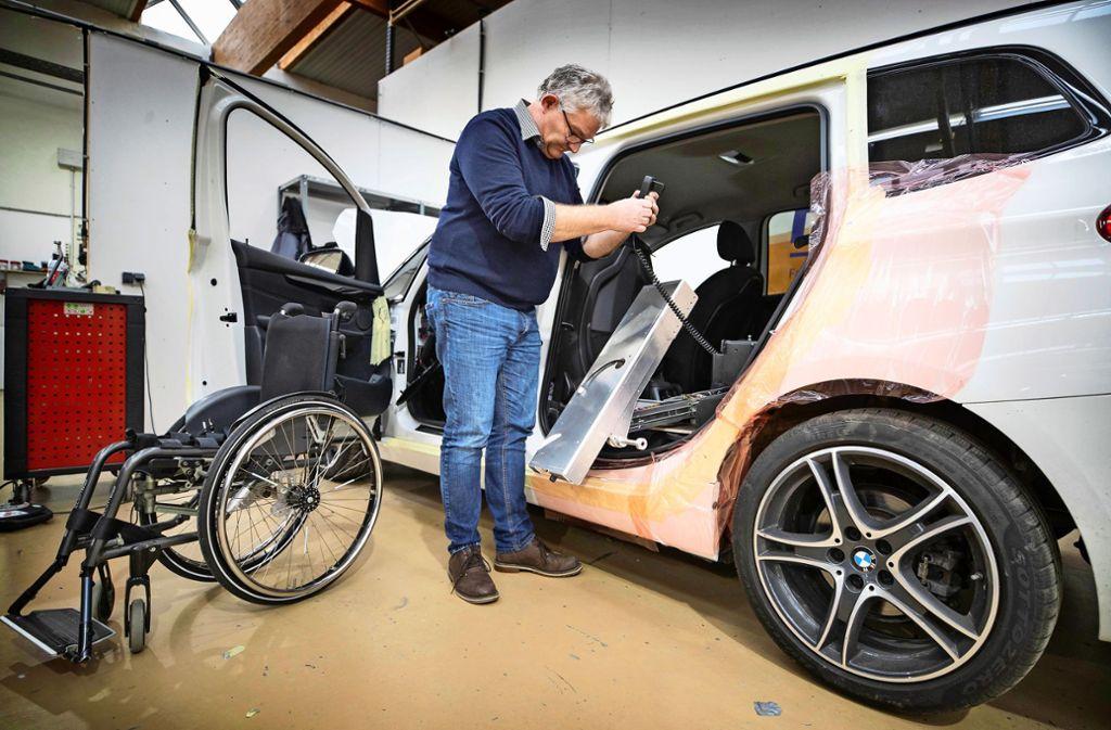 Bereits 18 der neuen  intelligenten Rollstuhlverladesysteme von Felitec sind bestellt worden. Foto: