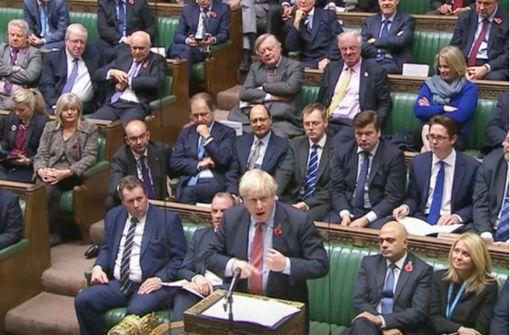 Britisches Parlament stimmt für Neuwahl am 12. Dezember