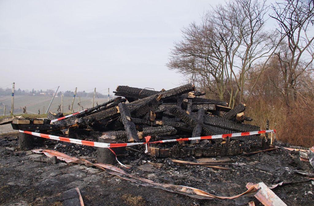 Die Polizei ermittelt wegen Brandstiftung. Foto: Andreas Rosar Fotoagentur-Stuttgart