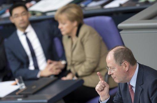 Trotz hübscher  rhetorischer Einfälle  spulte Peer Steinbrück  seine Abrechnung mit der Regierungspolitik im Bundestag doch überraschend  lustlos herunter. Foto: dapd
