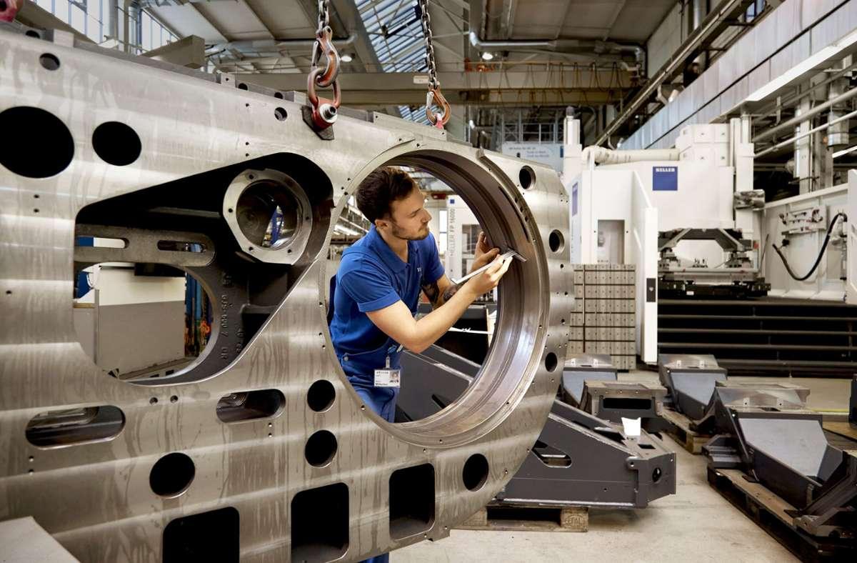 Die Beschäftigten des Werkzeugmaschinenbauers  Heller müssen vorübergehend den Gürtel enger schnallen. Foto: Heller