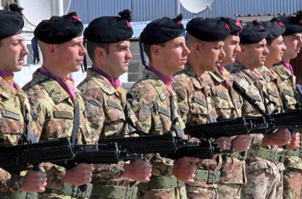 Italienische Nato-Soldaten in Herat, Afghanistan. Die Nato erwägt einen Einsatz in der Grenzregion zwischen Russland und der Ukraine. Foto: dpa