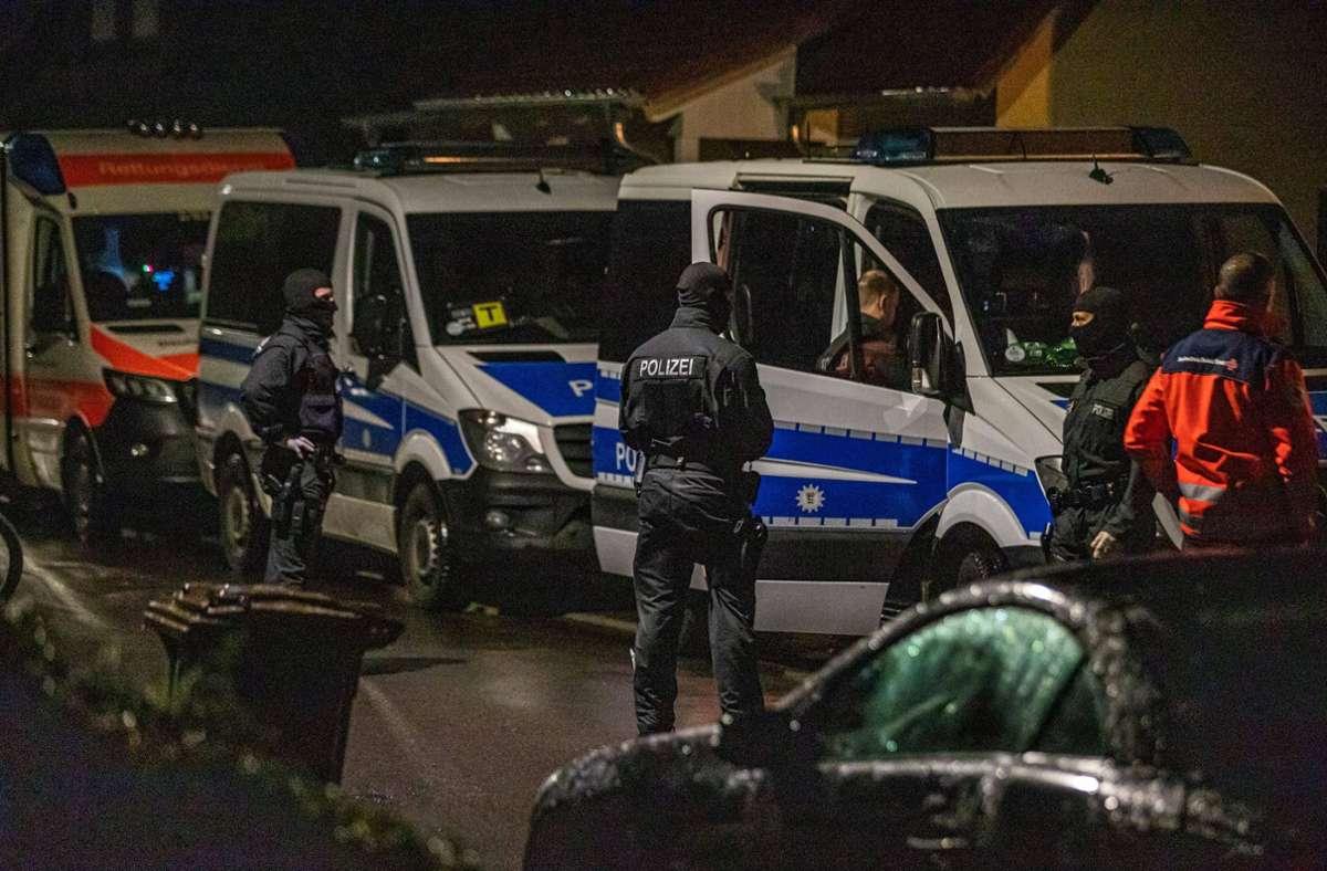 Die Rettungskräfte wurden routinemäßig mit einbezogen, verletzt wurde niemand. Foto: 7aktuell.de/Simon Adomat