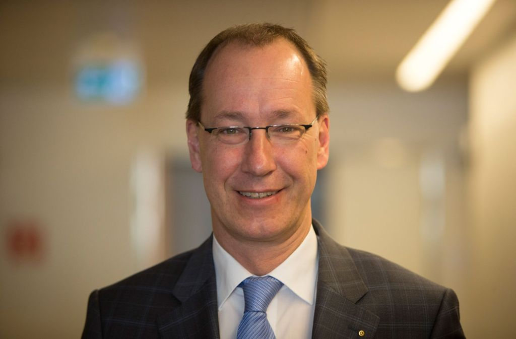 Ex-Klinikumschef Ralf-Michael Schmitz soll deutlich höhere Pensionsbezüge erhalten als bisher bekannt. Foto: Michael Steinert