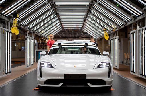 Porsche plant Allianz mit dem Maßschneider von Batteriezellen