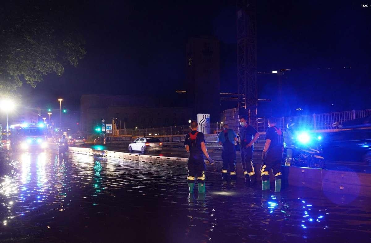 In Stuttgart kam es zu Überschwemmungen. Foto: Andreas Rosar / Fotoagentur-Stuttg