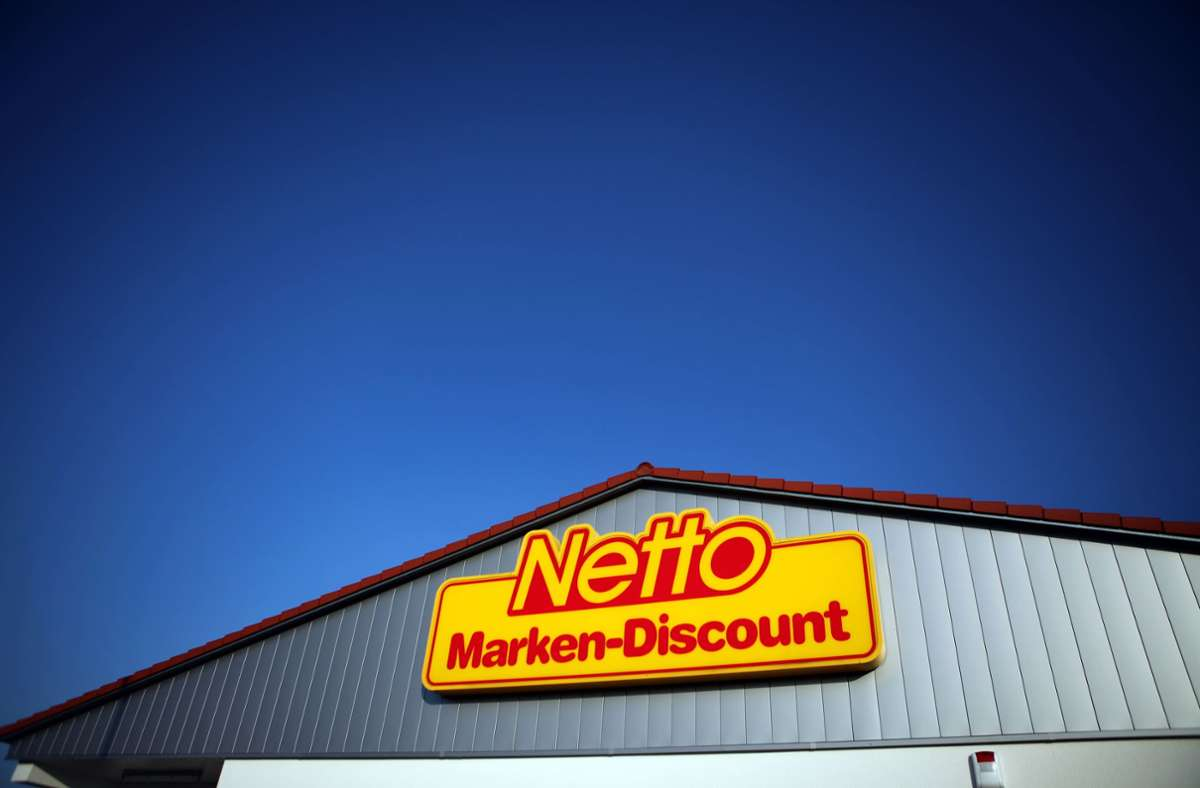 Edeka übernimmt die verbliebenen Anteile an der Billigkette Netto Marken-Discount. Foto: dpa/Jan Woitas