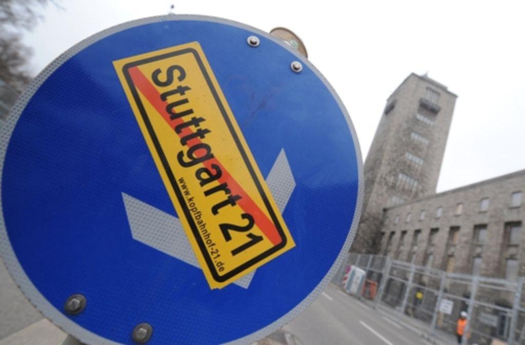Das Thema Stuttgart 21 prägt die Landeshauptstadt wie kein zweites: In der folgenden Bilderstrecke zeigen wir die Historie des umstrittenen Bahnprojekts von 1994 bis heute.  Foto: dpa