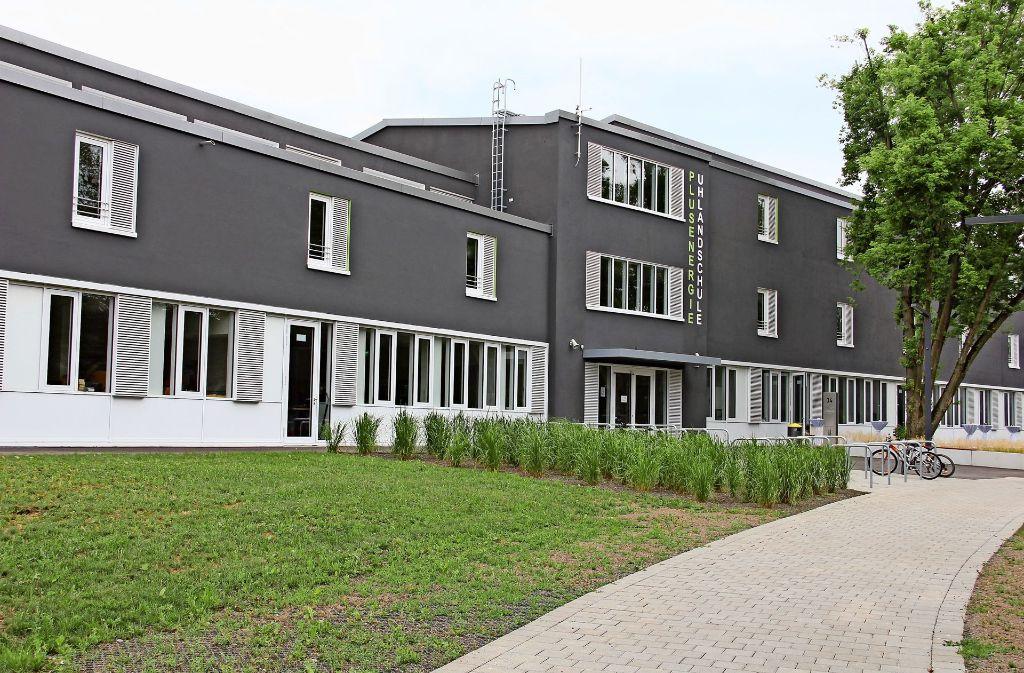 Hinter der  erneuerten Fassade des Hauptgebäudes verbirgt sich modernste Technik. Foto: Bernd Zeyer