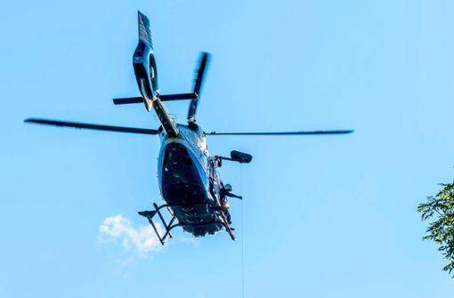 Hubschrauberjagd nach Flucht auf der Autobahn
