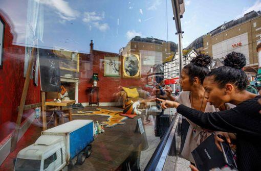 Streetart-Künstler eröffnet  Geschäft  – Tür  bleibt geschlossen