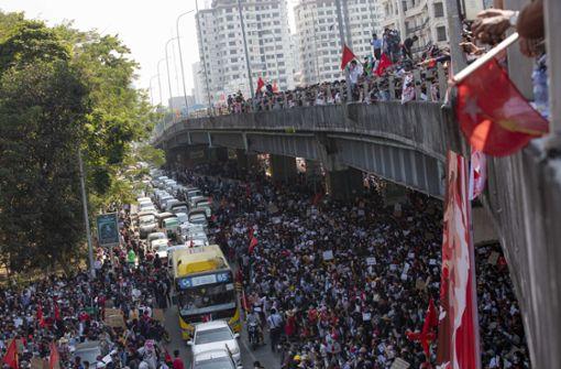Verletzte am vierten Tag der Proteste