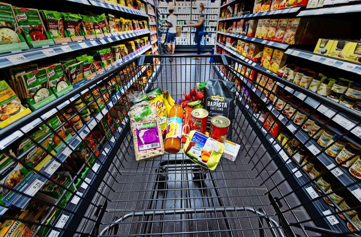 Die Preise sind bei etlichen  Produkten gleich geblieben. Foto: dpa/Sven Hoppe