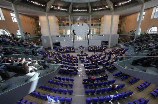 SPD bleibt  mit Schichtdienst im Bundestag allein