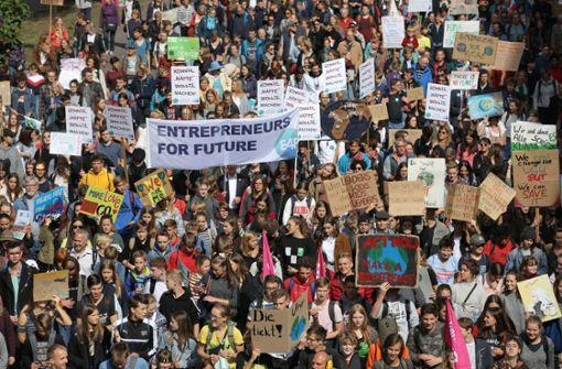 Bunter Protest für mehr Klimaschutz