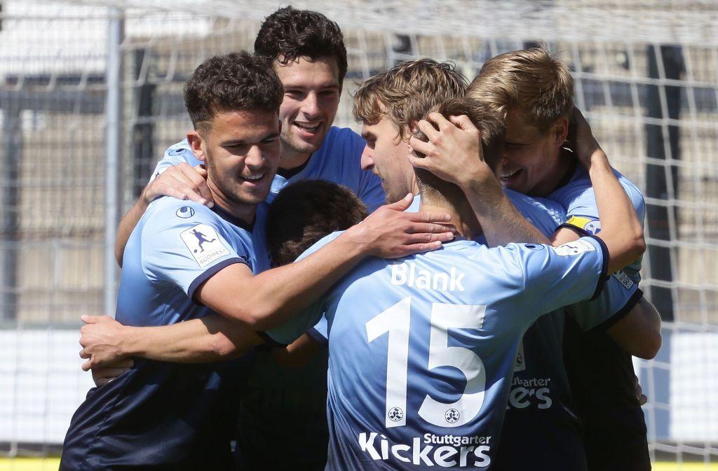 Die Stuttgarter Kickers wollen an diesem Samstag im heimischen Gazi-Stadion gegen Konkurrent Eintracht Trier erneut jubeln. Foto: Baumann