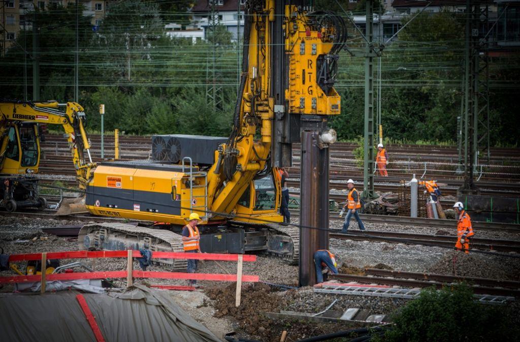Die Rammarbeiten für Stuttgart21, hier ein Bild von 2013 aus Untertürkheim, haben die Baustellenanlieger auf die Barrikaden getrieben. Nun wird es in Obertürkheim laut Foto: Achim Zweygarth