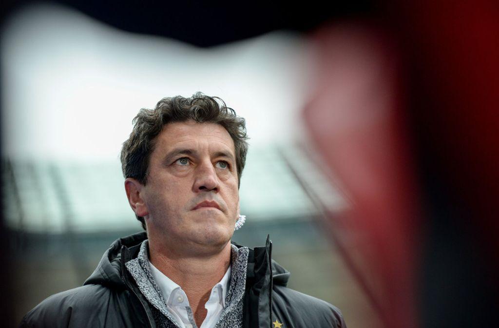 HSV-Sportchef Jens Todt weiß, wie schwierig die Lage ist. Foto: dpa
