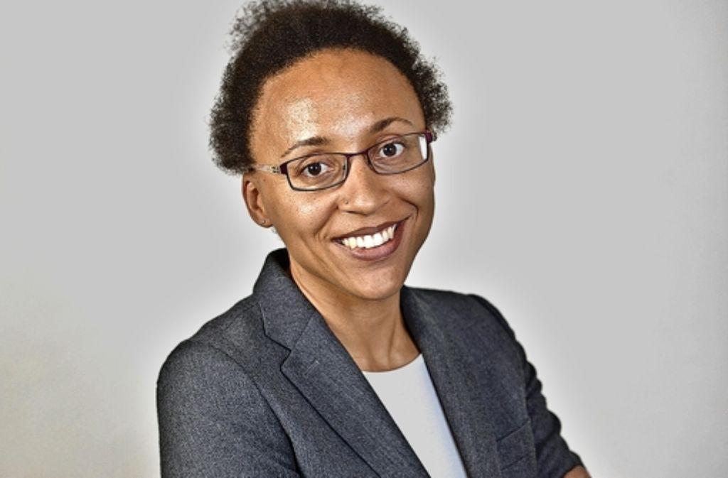 Die Wirtschaftswissenschaftlerin Aderonke Osikominu von der Uni Hohenheim spricht vier Sprachen. Foto: privat