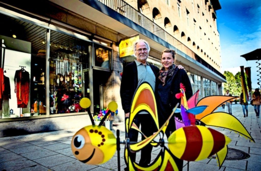 Horst und Lisa Bansemer müssen Mitte 2015 mit ihrem Spielwarengeschäft 1000schön raus. Foto: Lichtgut/Achim Zweygarth