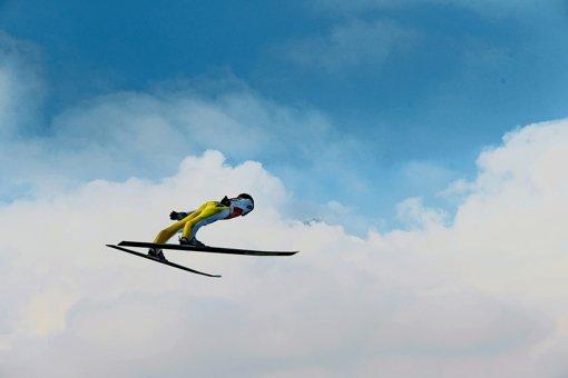 Peter Prevc fliegt über den Wolken