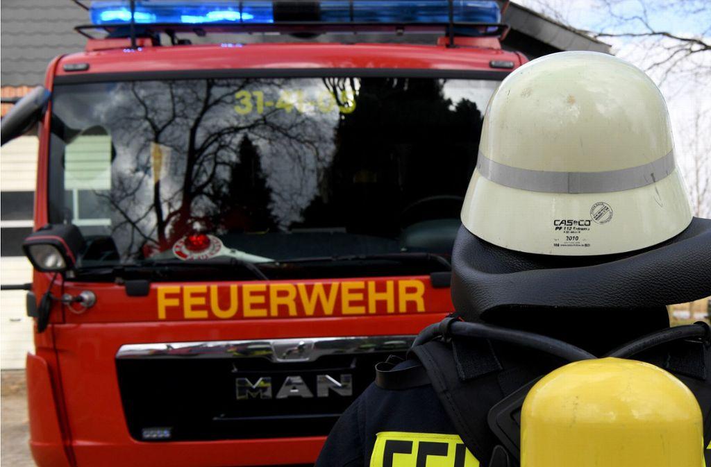 Nachdem am Sonntag in einer Wohnung in Winnenden ein Feuer ausgebrochen ist, muss nun die Brandursache ermittelt werden. (Symbolfoto) Foto: dpa/Carsten Rehder