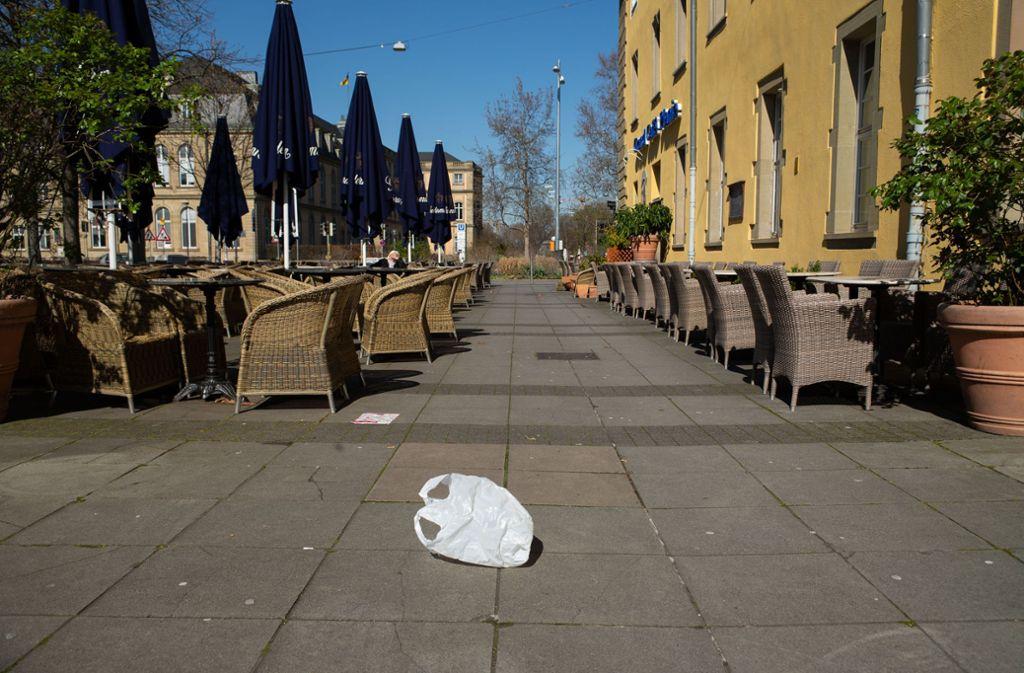 Leere Plätze und Straßen in der Stuttgarter Innenstadt: Die Gastronomie-Branche liegt derzeit still. Foto: Leif Piechowski/Leif-Hendrik Piechowski