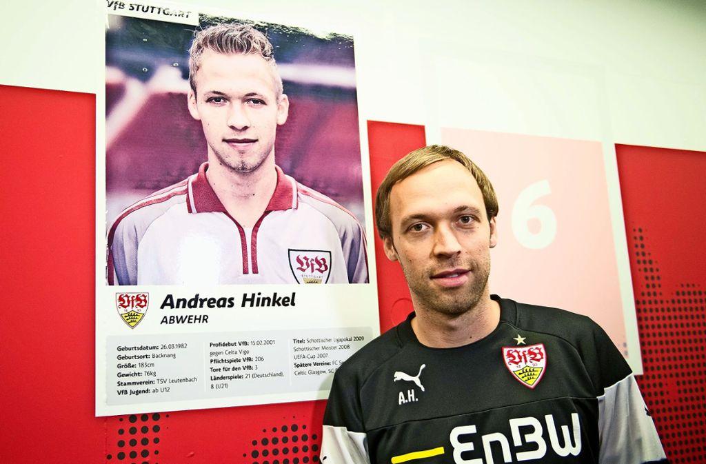 Unabhängig vom Fortbestand der Zweiten wird es für Andreas Hinkel  eine Zukunft beim VfB geben. Foto: dpa