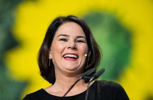 Baerbock mit Rekordergebnis als Grünen-Chefin wiedergewählt