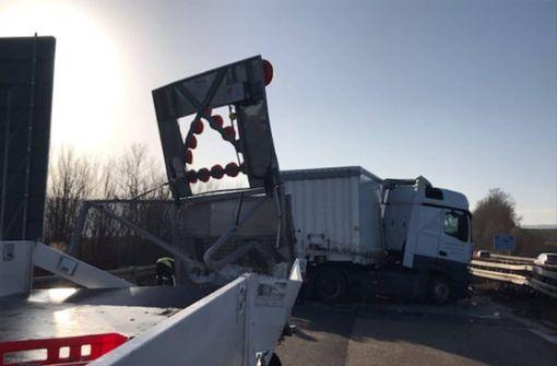 Autobahn nach heftigem Lkw-Crash stundenlang gesperrt