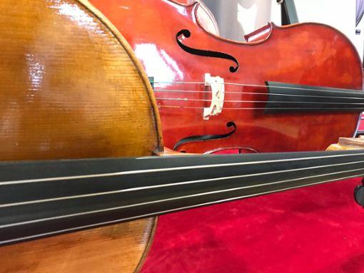 Darf es Holz, Carbon oder ein E-Cello sein?
