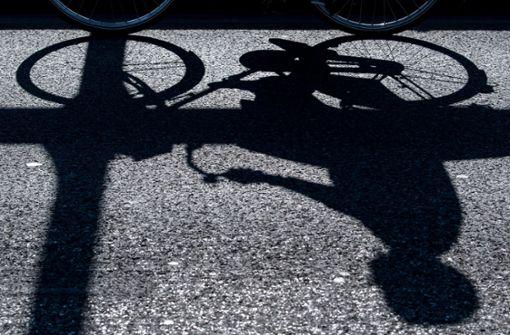 Rennradfahrer übersehen