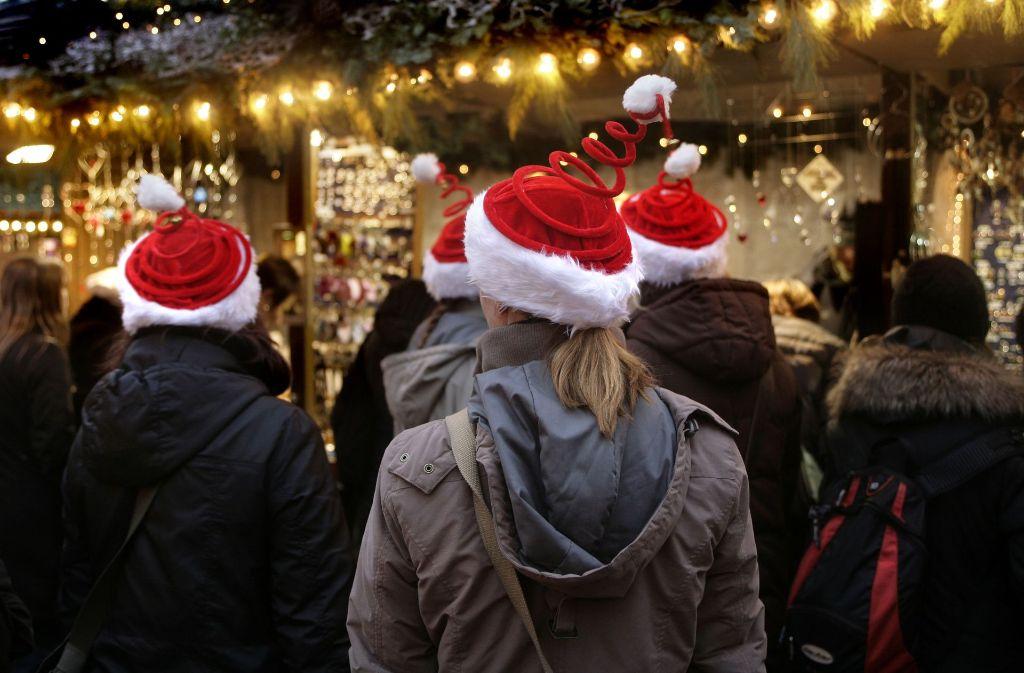 In Filderstadt-Bernhausen lockt der Budenzauber ebenso am 2. Dezember auf den Nikolausmarkt in die Fußgängerzone.  Foto: Symbolfoto Horst Rudel