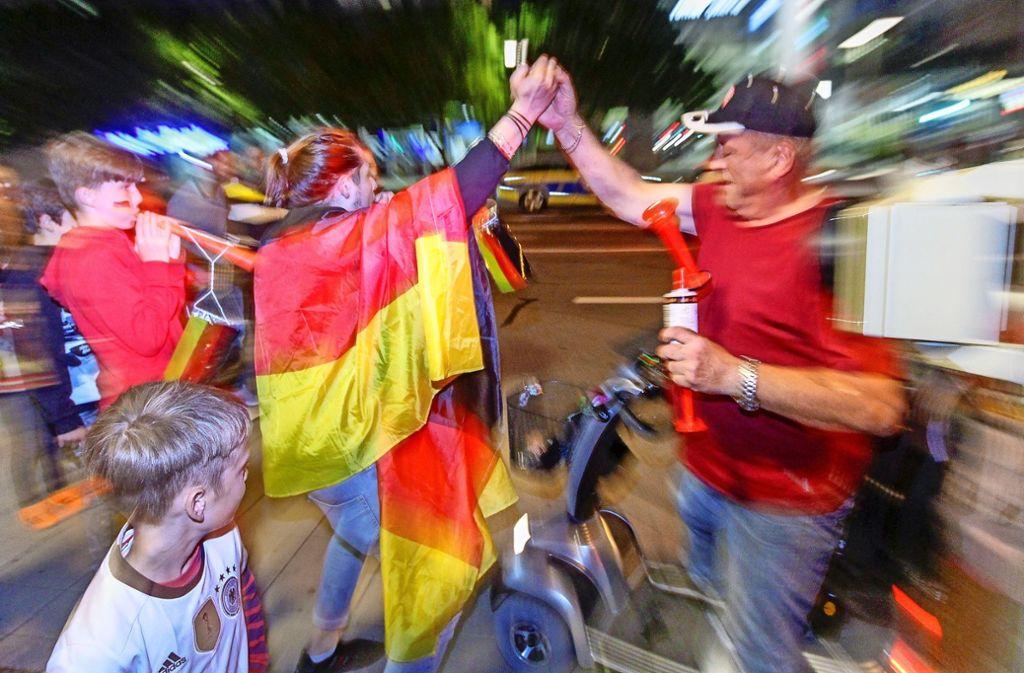 Auch wenn die deutschen Fans wenig zu jubeln hatten, ist man beim TSV Höfingen mit dem Public Viewing zufrieden. Foto: factum/Bach