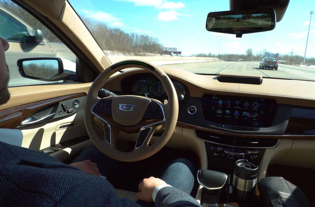 "Bei der Veranstaltung ""Coaching4Future"" am Taus-Gymnasium in Backnang geht es auch um das Thema autonomes Fahren (Symbolbild). Foto: dpa/Cadillac"