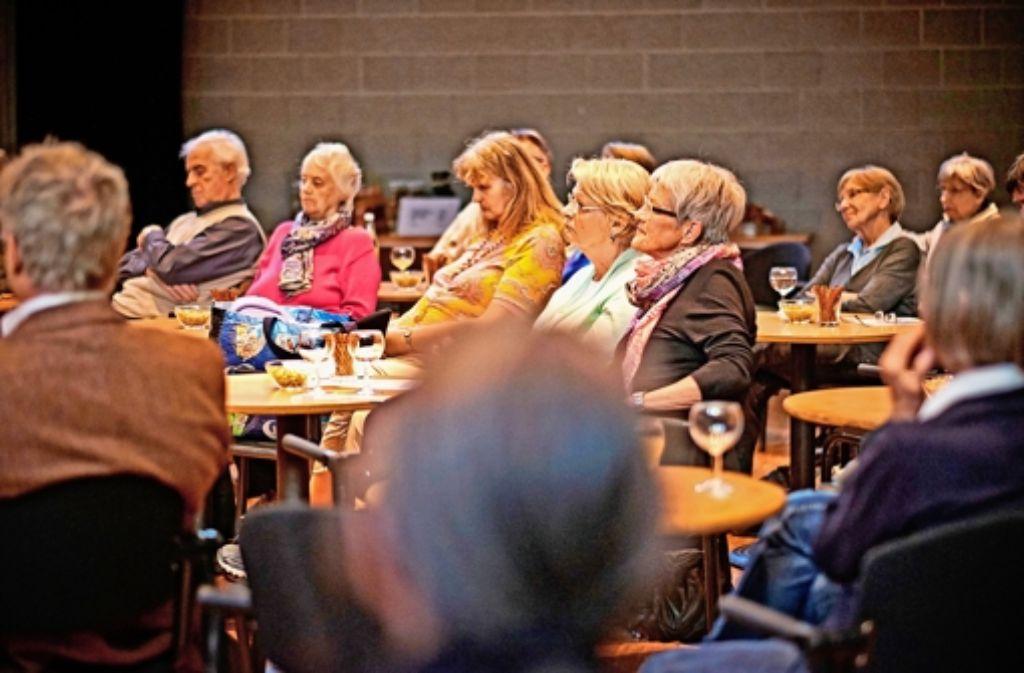 Der StZ-Lokalchef Holger Gayer erläuterte im Theodor-Bäuerle-Saal der VHS seine Sicht über die bevorstehende Kommunalwahl und über deren Konsequenzen. Foto: Heinz Heiss