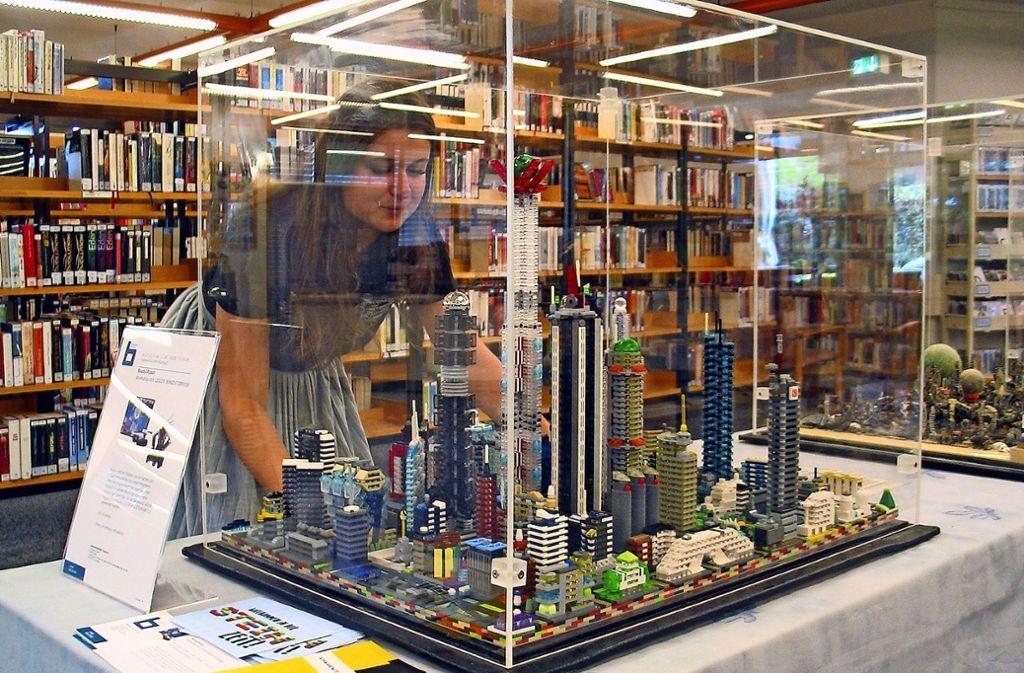 Bis eine derartige Stadt aus Lego-Steinen entsteht, dauert es schon etwas. Foto: Müller-Baji