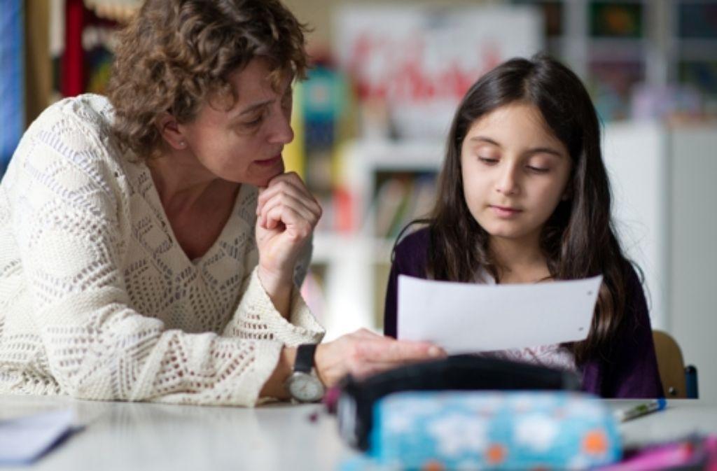 Das Jugendamt sucht Ehrenamtliche zur Betreuung von Grundschulkindern. Foto: dpa