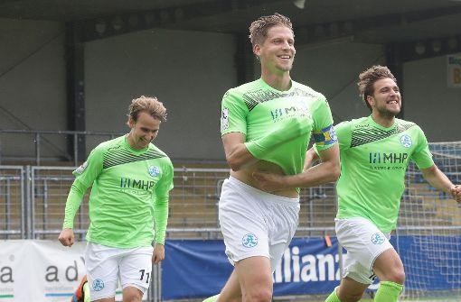 Stuttgarter Kickers retten sich vor Abstieg