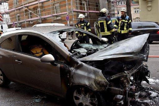Opel Corsa brennt komplett aus