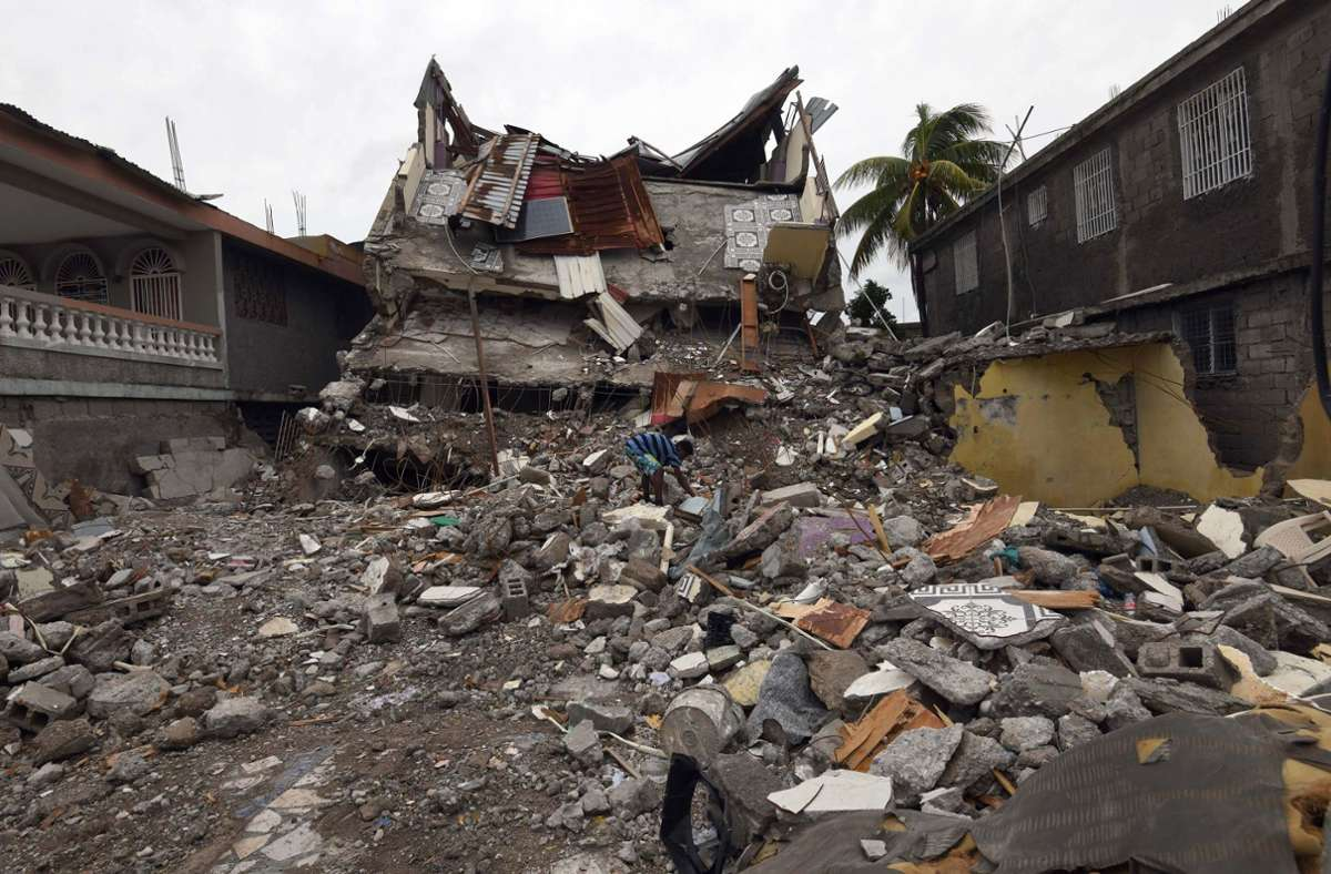 Das Beben der Stärke 7,2 hatte sich am Samstagmorgen (Ortszeit) nahe der Gemeinde Saint-Louis-du-Sud östlich von Les Cayes in einer Tiefe von rund zehn Kilometern ereignet. Foto: dpa/Carol Guzy