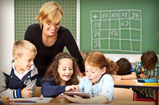 """Arbeitgeber wollen digital """"fitte"""" Lehrer"""