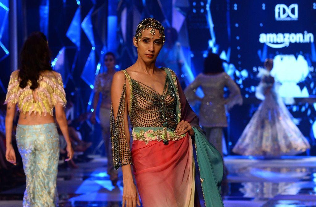 Die Amazon India Fashion Week feierte ihr 30-jähriges Jubliäum in Neu-Delhi. Foto: AFP