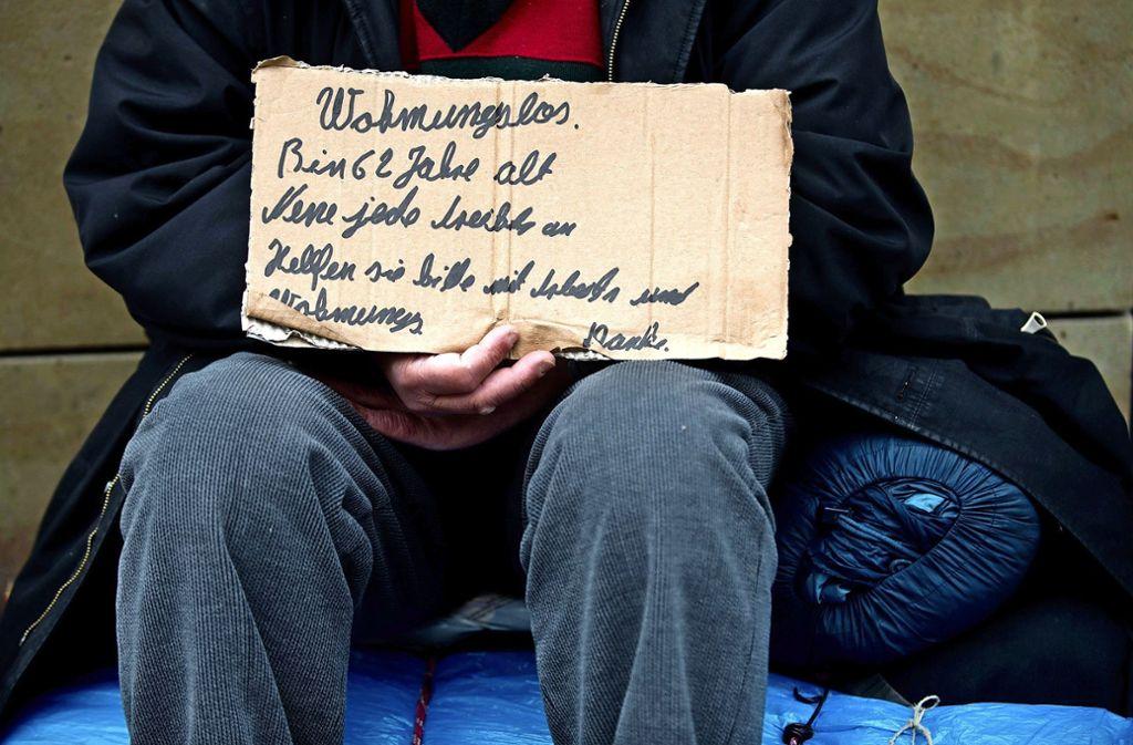 Menschen ohne Wohnung befinden sich in einer verzweifelten Lage. Foto: dpa/Marijan Murat