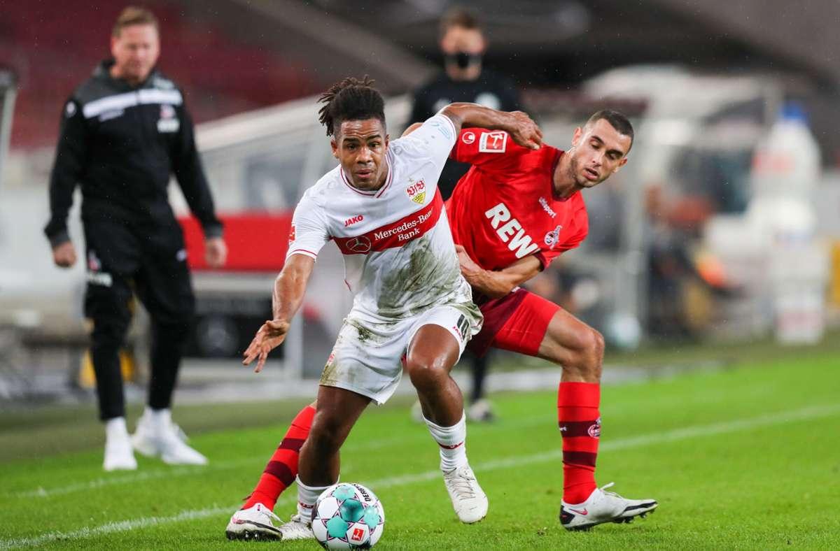 Stuttgarts Daniel Didavi gegen Kölns Ellyes Skhiri Foto: dpa/Tom Weller