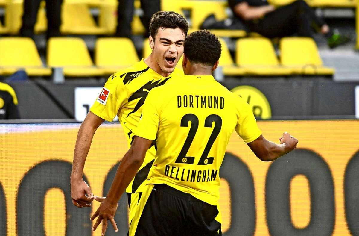 Beim BVB  glänzen beim 3:0 gegen Gladbach Giovanni Reina (l.) und Jude Bellingham. Foto: dpa/Bernd Thissen