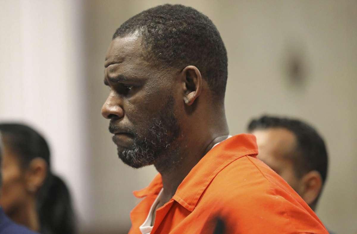R. Kelly während einer Anhörung (Archivbild). Foto: dpa/Antonio Perez
