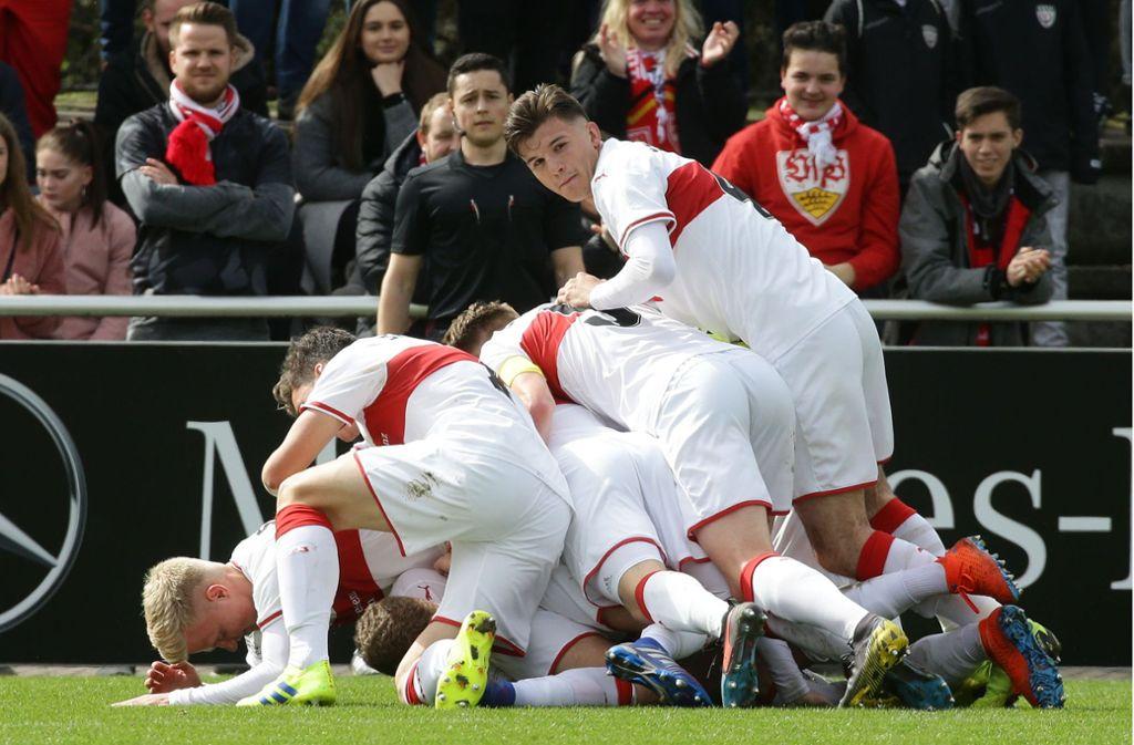 Die VfB U19 schießen sich gegen den SC Freiburg ins DFB-Pokalfinale. Foto: Pressefoto Baumann