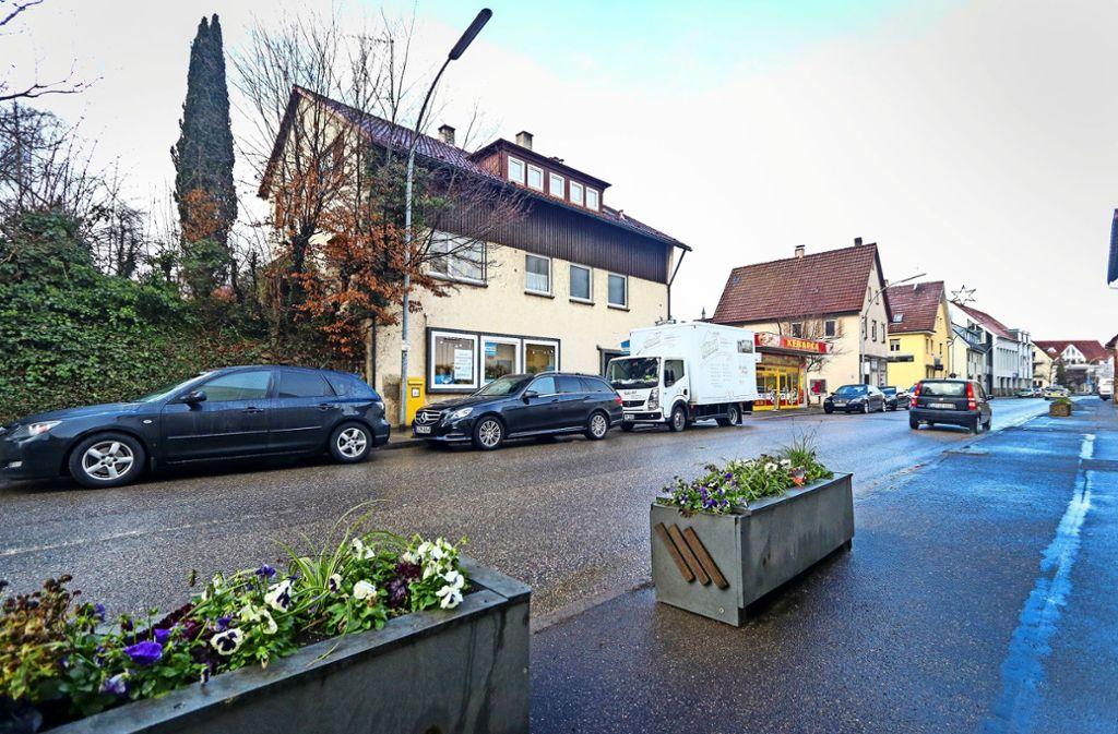 Die Grundstücke an der Stuttgarter Straße 44-48 gehören der Stadt Korntal-Münchingen. Künftig soll sich dort ein Einzelhändler sein Geschäft aufmachen. Foto: factum/Granville