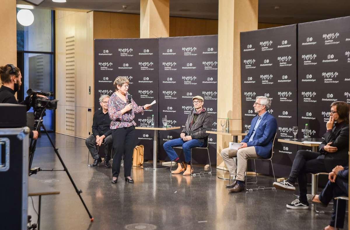 """Im Stuttgarter Stadtmuseum haben Mitglieder der damaligen Demonstration nach zehn Jahren über den """"Schwarzen Donnerstag"""" und seine Folgen diskutiert. Foto: Lichtgut/Ferdinando Iannone"""